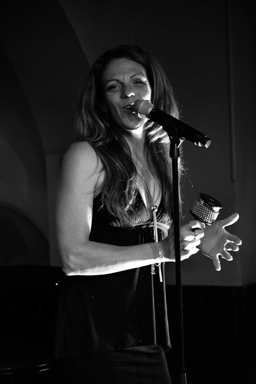 Chanteuse Bistrot bohème Bordeaux